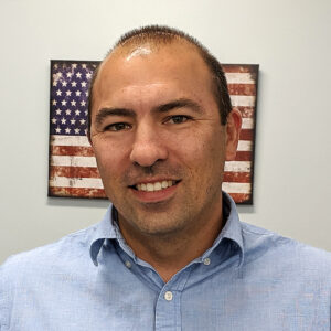 Dr. Julio Girón. PA-C